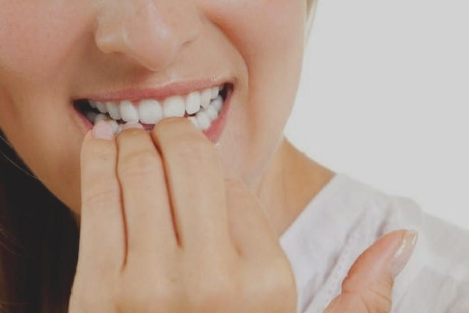 Как перестать кусать ногти
